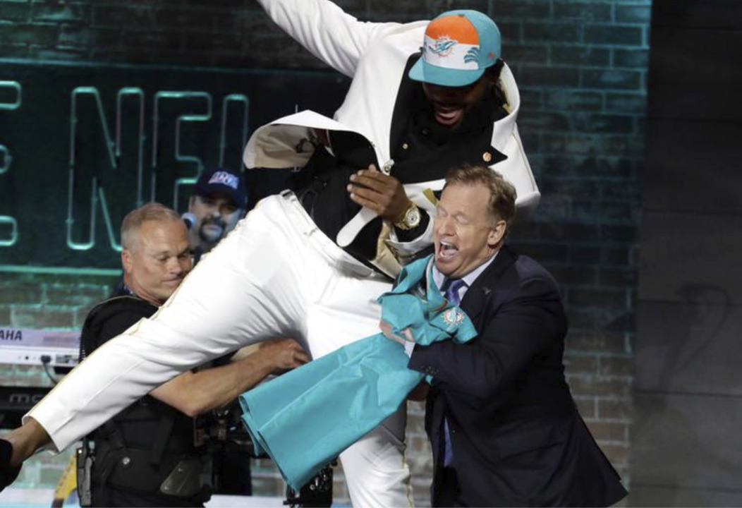 What Dolphins 1st round pick Christian Wilkins likes about Miami; no income tax, Marino and replacing...