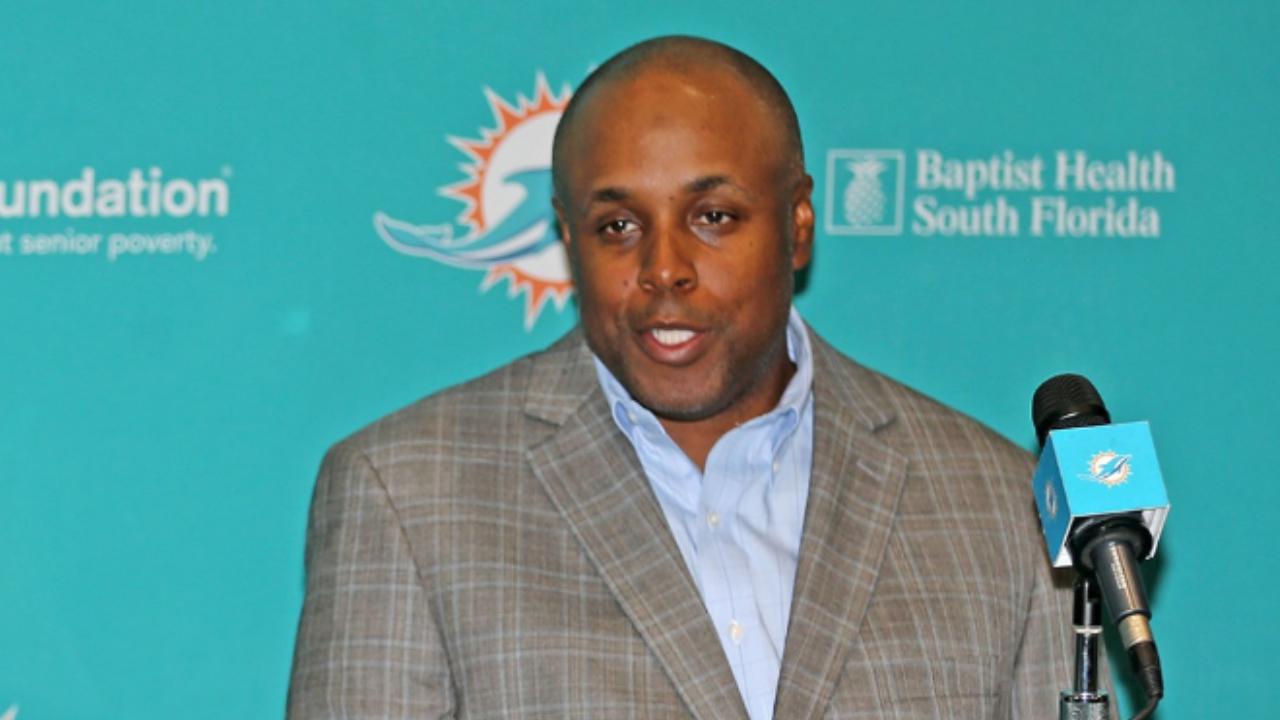 Who is George Godsey, the Miami Dolphins' tight ends coach under Brian Flores?