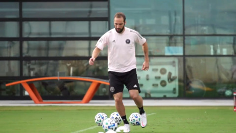 It's Official: Argentine star forward Gonzalo Higuain signs with Inter Miami