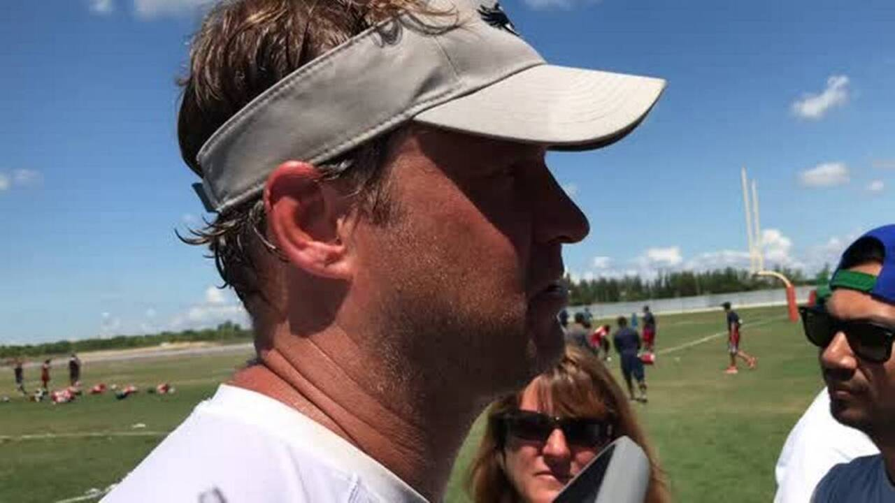 FAU's Lane Kiffin had the perfect response to fan's wish that Arkansas hires him