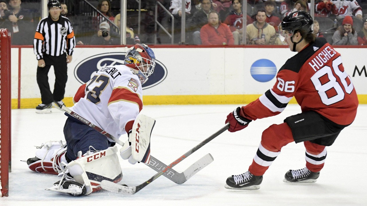 Coach Quenneville's hunch helps Florida Panthers end winless streak