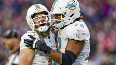 Dolphins apparently sticking with Ryan Fitzpatrick in year better veteran QBs available