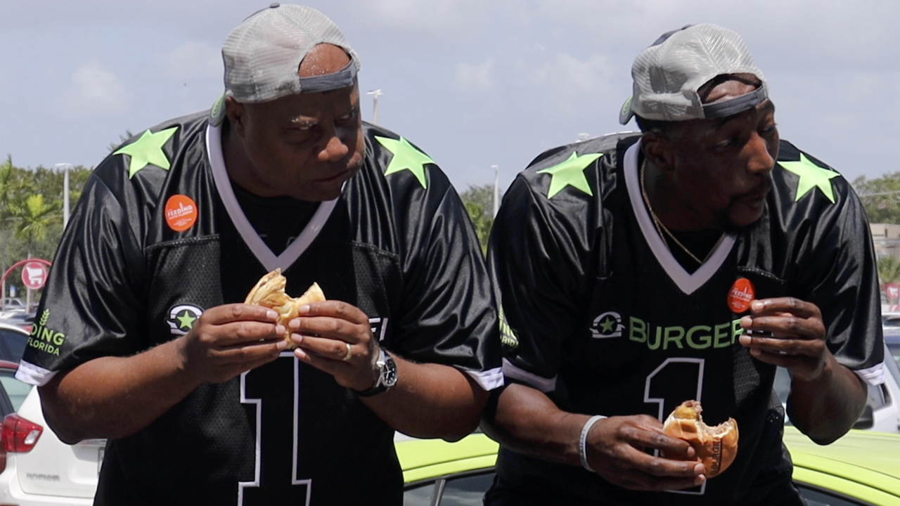 This is how Takeru Kobayashi defeated the Heat's Bam Adebayo in burger-eating contest