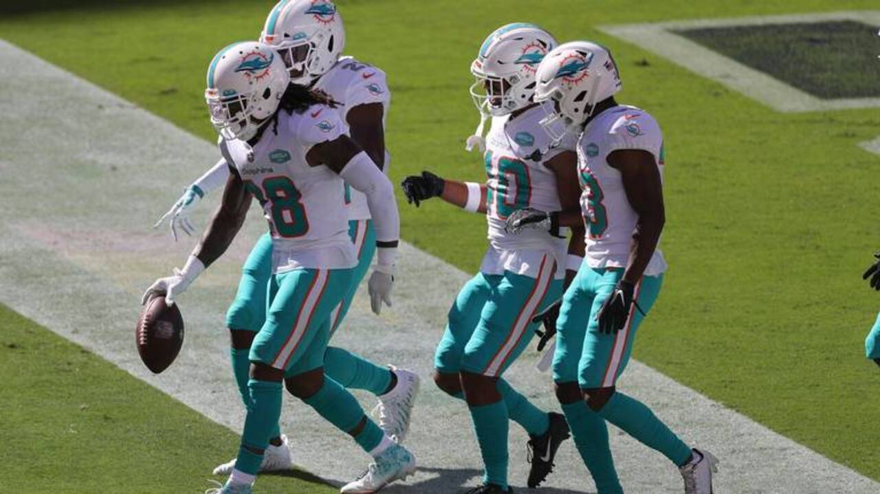 Miami Dolphins Football 🏈🐬 - cover