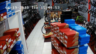Man steals $12K bicycle from Miami store