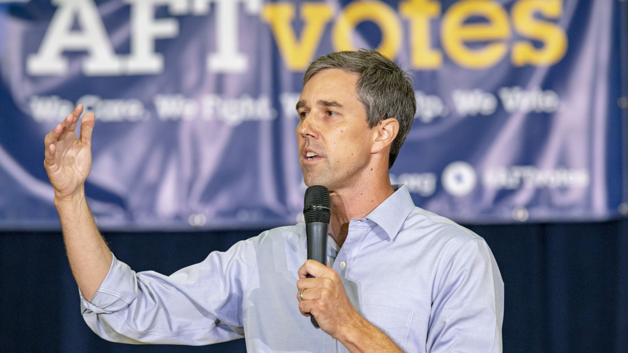 South Florida teachers ask Beto O'Rourke about salaries, charter schools at town hall