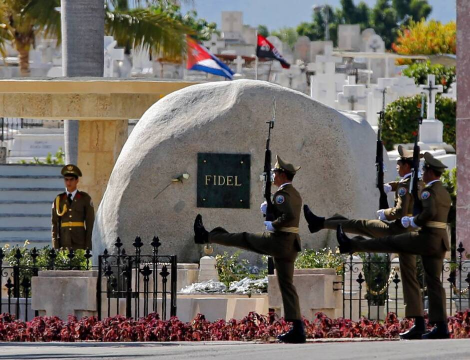 Castro's tomb, meant to resemble a kernel of corn, becomes an instant attraction