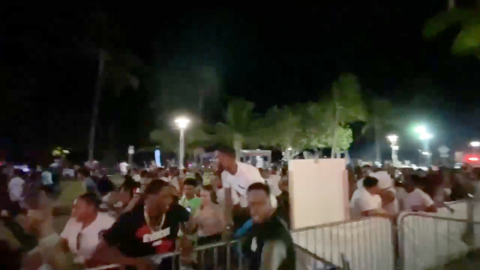 Hundreds of spring breakers run from police shooting in South Beach