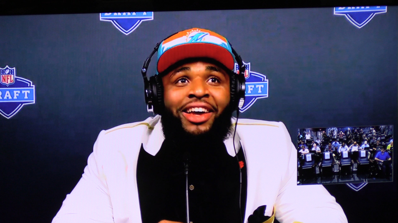 Miami Dolphins' first-round pick DT Christian Wilkins says he can play on offense too