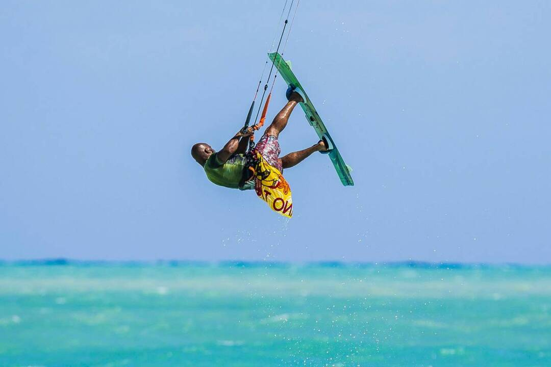 Miami Beach Votes To Keep Kiteboarding