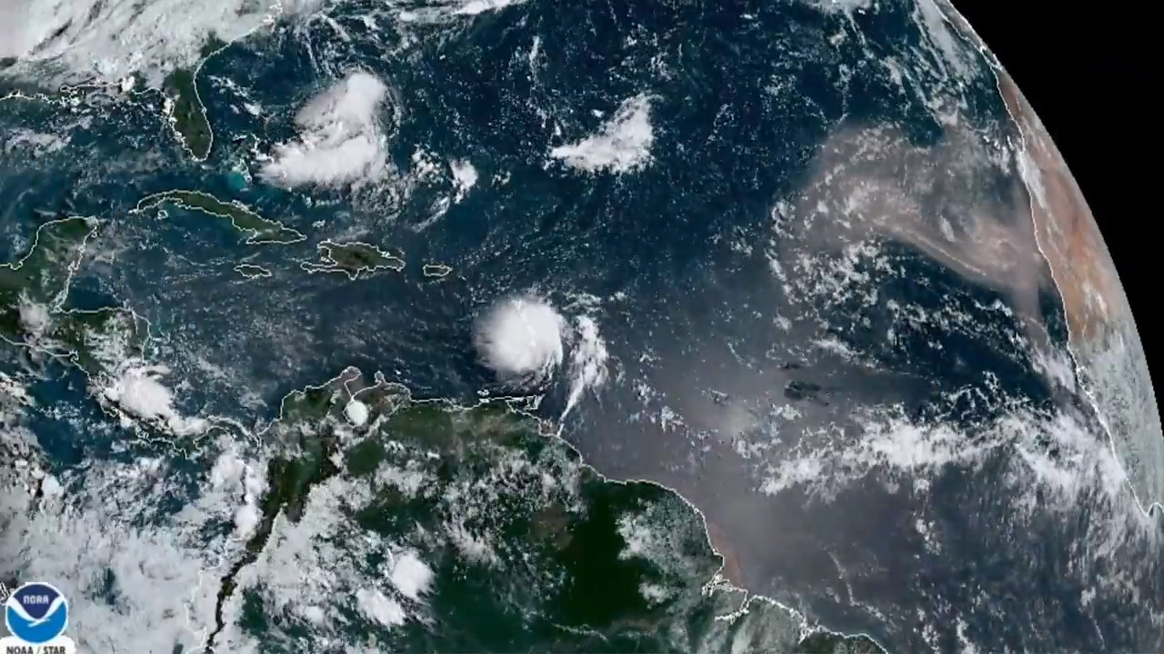 Hurricane Dorian to be 'a powerful hurricane' as it approaches Florida, forecasters say
