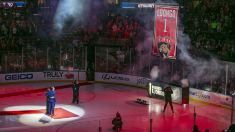 Florida Panthers retire goalie Roberto Luongo's number one jersey