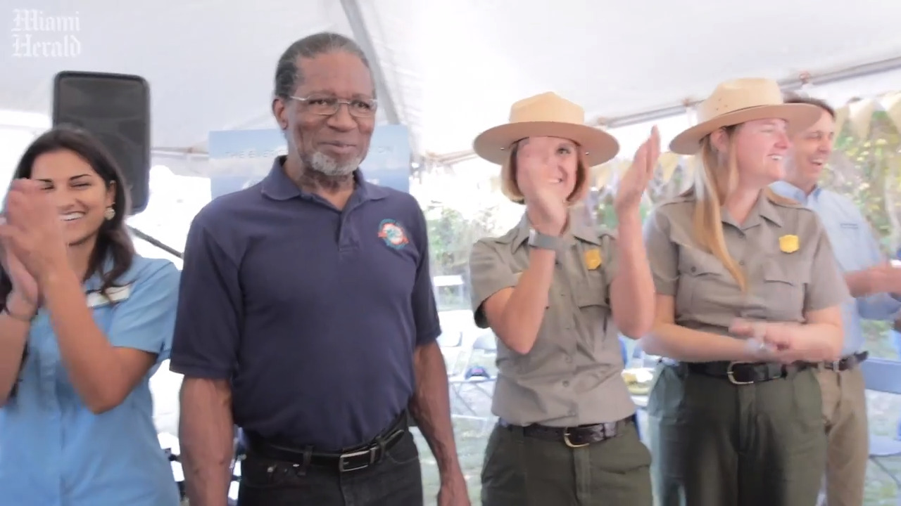 Members of undefeated Dolphins 1972 team honor Everglades National Park