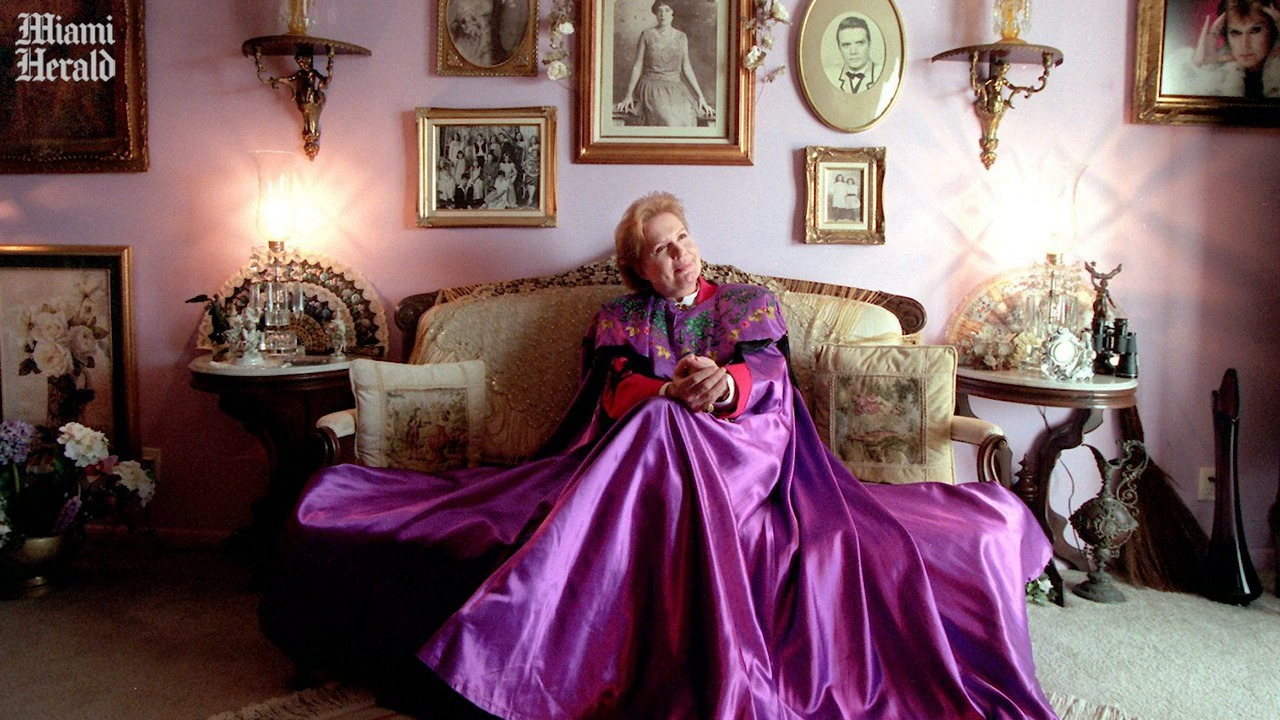 Walter Mercado Astrologer To The Masses Was Silent About His Own Last Wishes Miami Herald