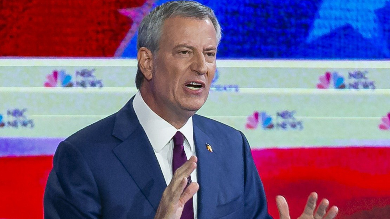 Democratic presidential candidate Bill de Blasio ended his campaign. Who is he?