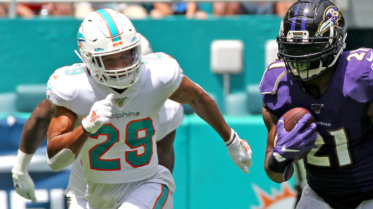 Minkah Fitzpatrick asks for and gets permission to seek a trade from Miami Dolphins