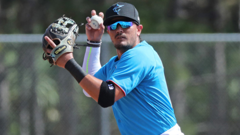 Daughter's birth a 'big motivation' for Marlins' Miguel Rojas as he prepares for 2021