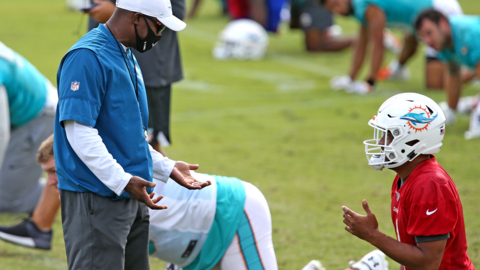 A locker room mutiny if switch to Tagovailoa fails? Why Dolphins aren't concerned