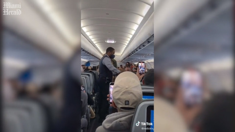 Flight diverted to Fort Lauderdale after passenger refuses to wear Mask