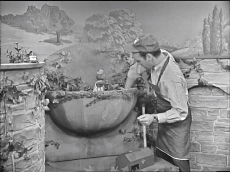Watch | Mister Rogers' Neighborhood