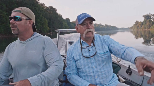 S1-E06: Frank and Rob Are Back on the Savannah River Huntin' Catfish and Gar