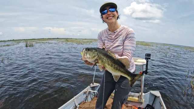 S1-E04: April Vokey and Oliver Ngy Tackle a Notoriously Complex Bass Fishery in Florida