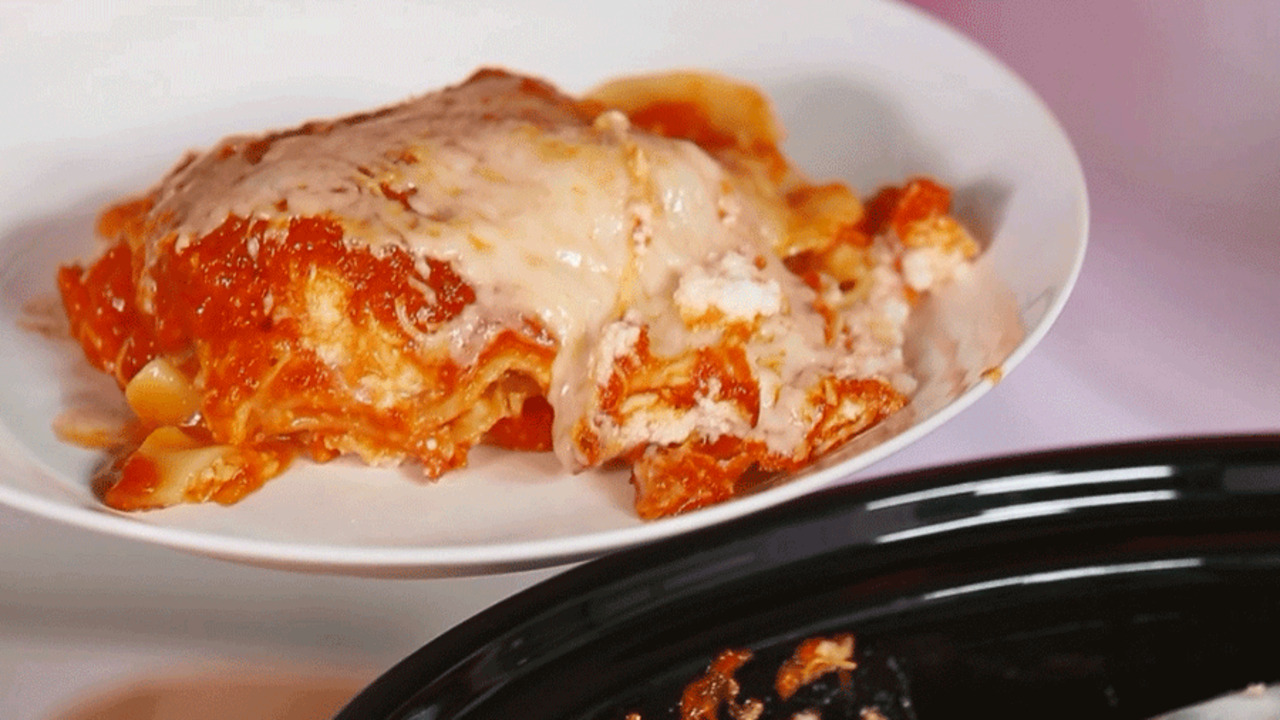 How to Make Lasagna in a Slow Cooker