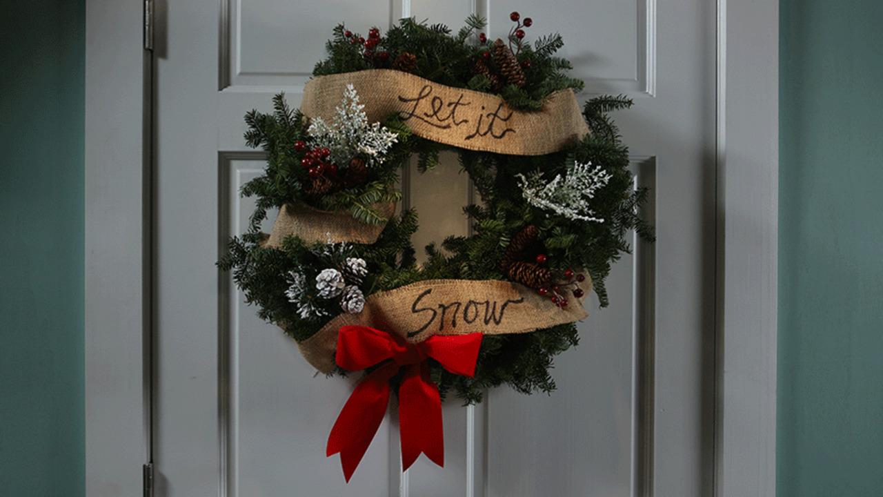 """""""Let It Snow"""" Wreath"""