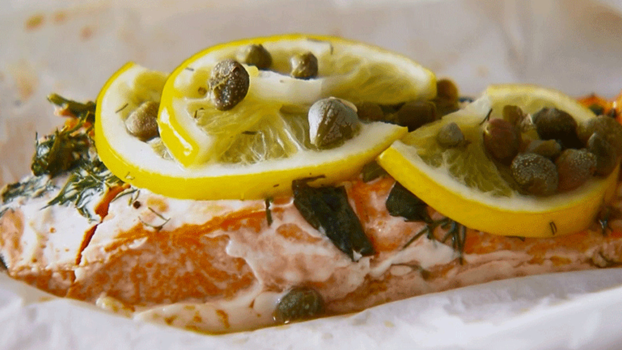 How to Bake Salmon in a Packet