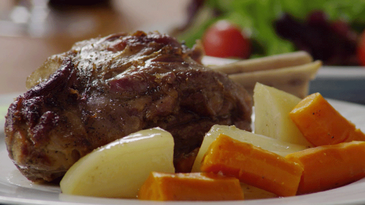 Video: Braised Lamb Shank Recipe