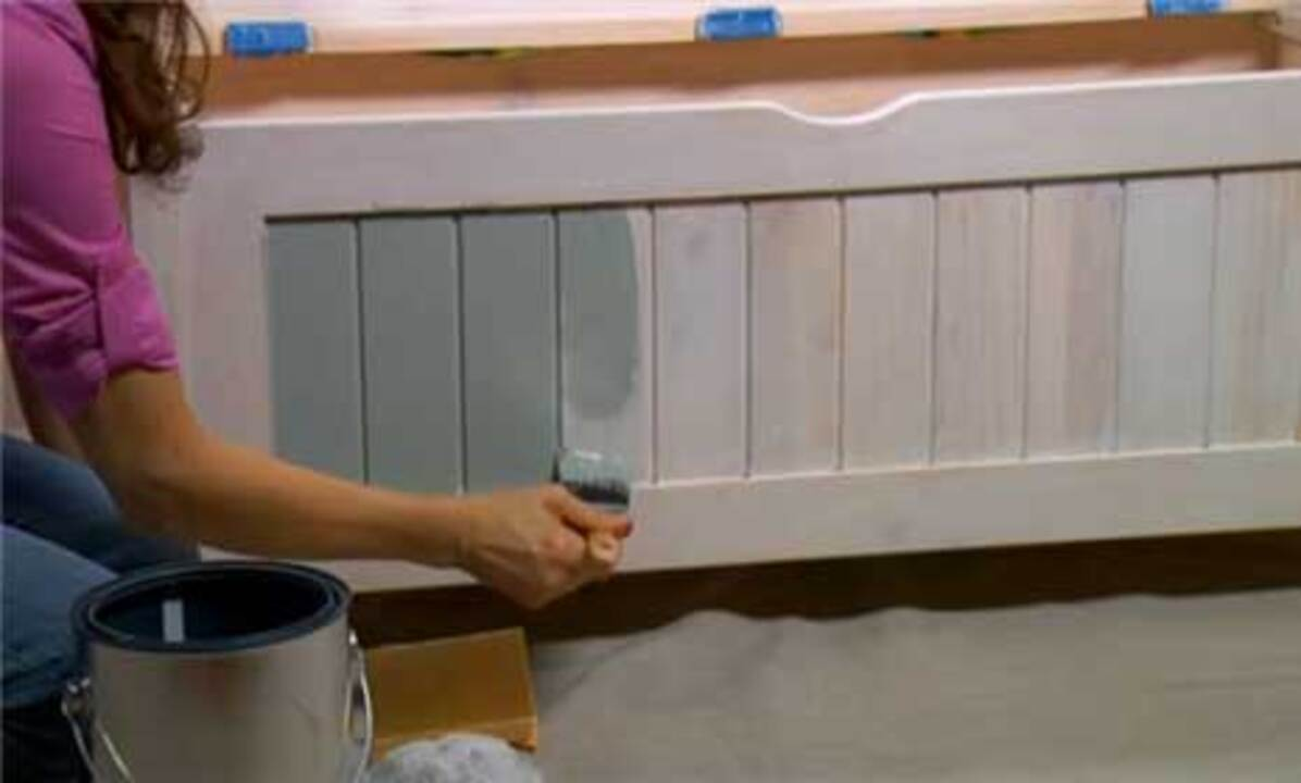 Video: How to Paint Furniture