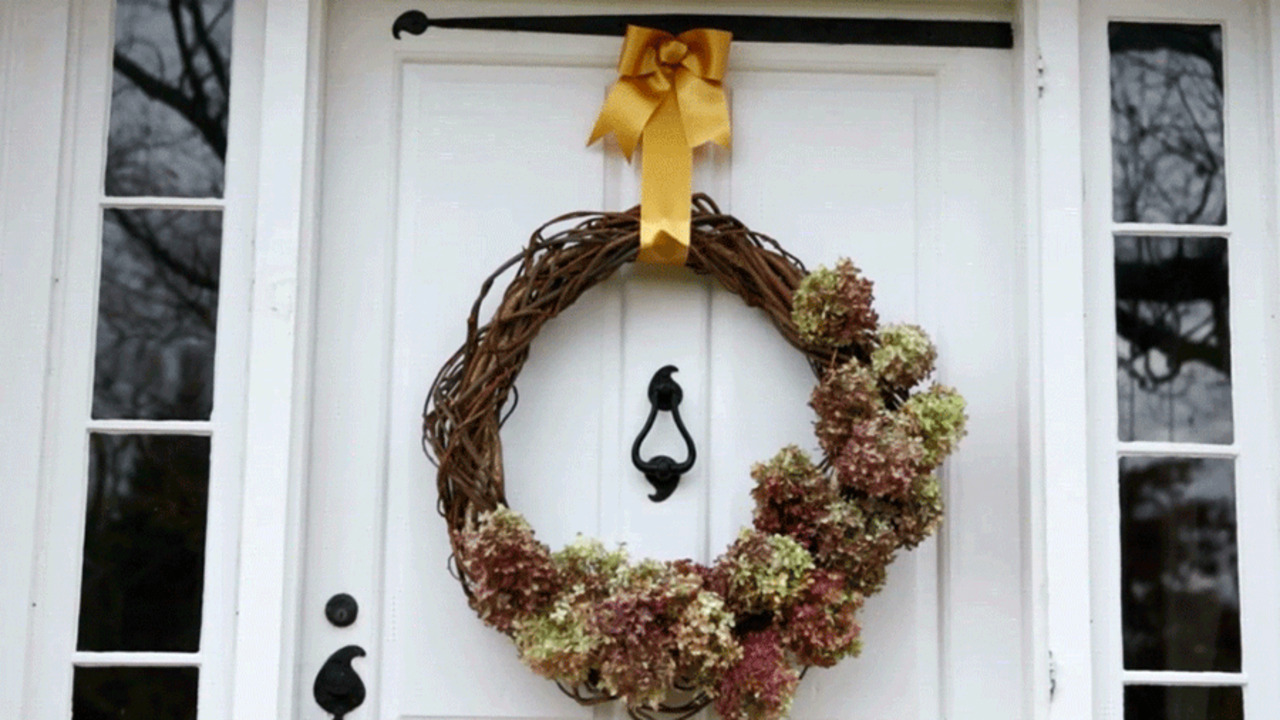Natural Hydrangea Wreath