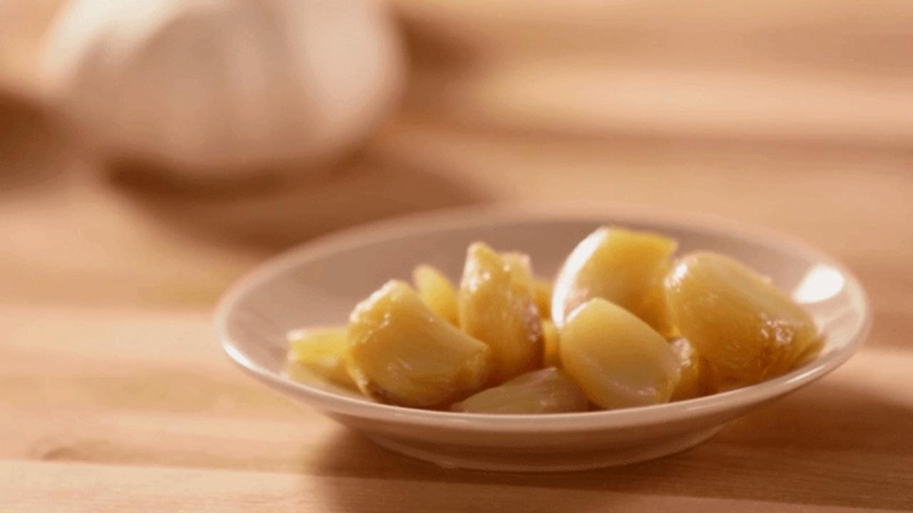 Cooking School: How to Roast Garlic