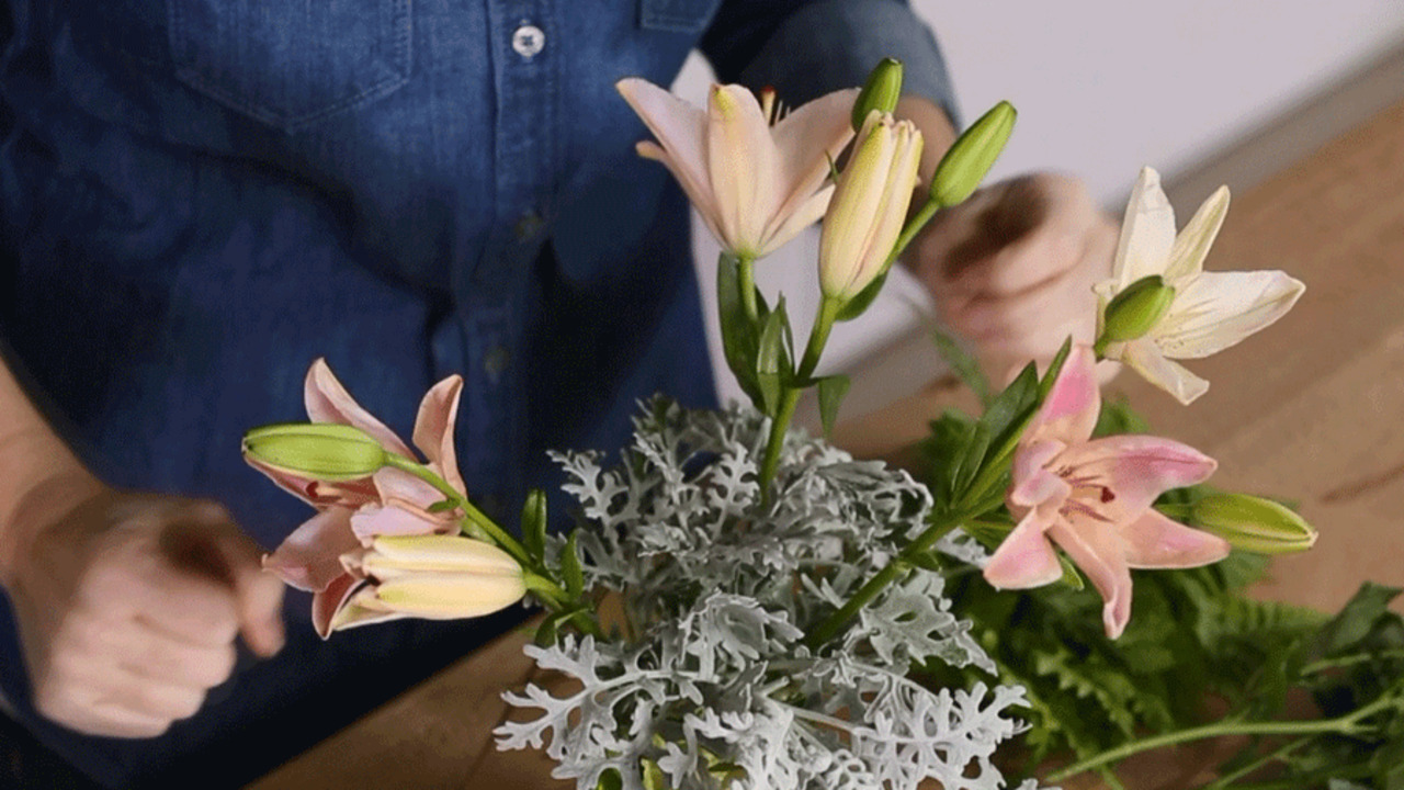 Arrange Your Own Wedding Flowers