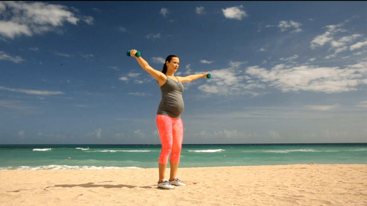 Celebrity Pregnancy Workout: Finish Strong