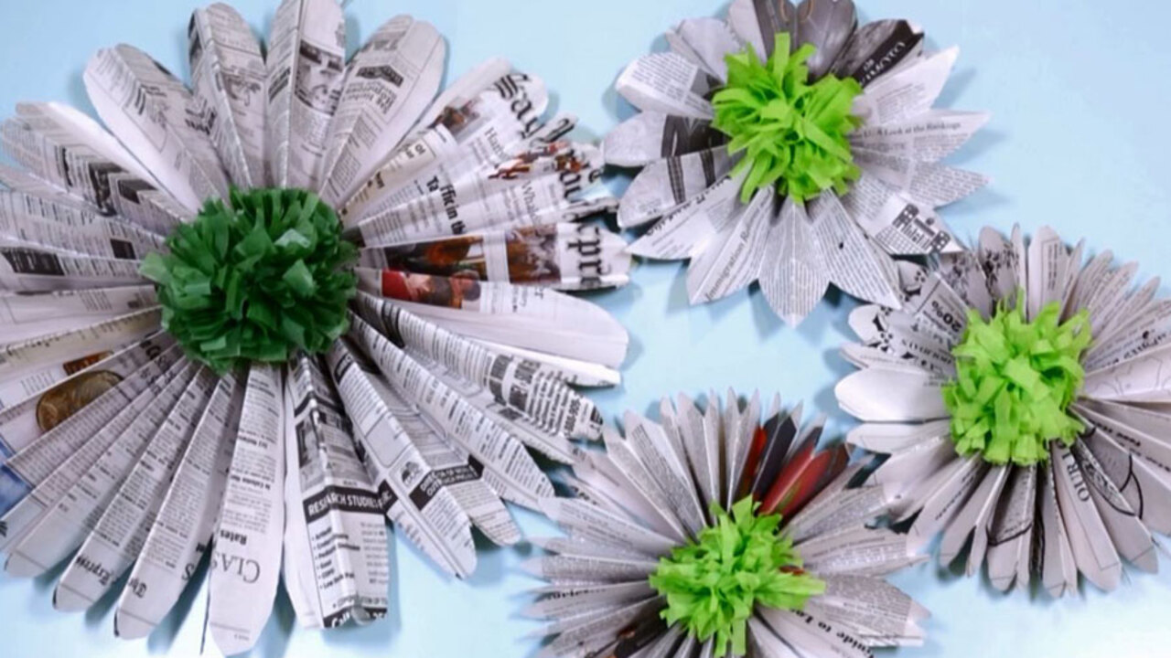 How to Make Newspaper Medallions