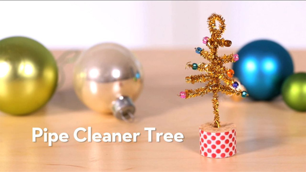 Kid Craft: Sparkly Tree Ornament