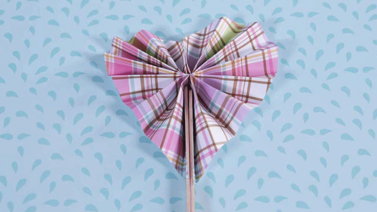 Valentine's Day Heart Fan Craft