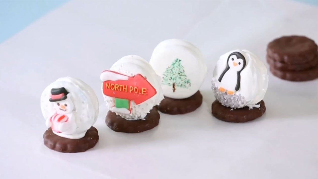 How to Make Sandwich Cookie Snowglobes