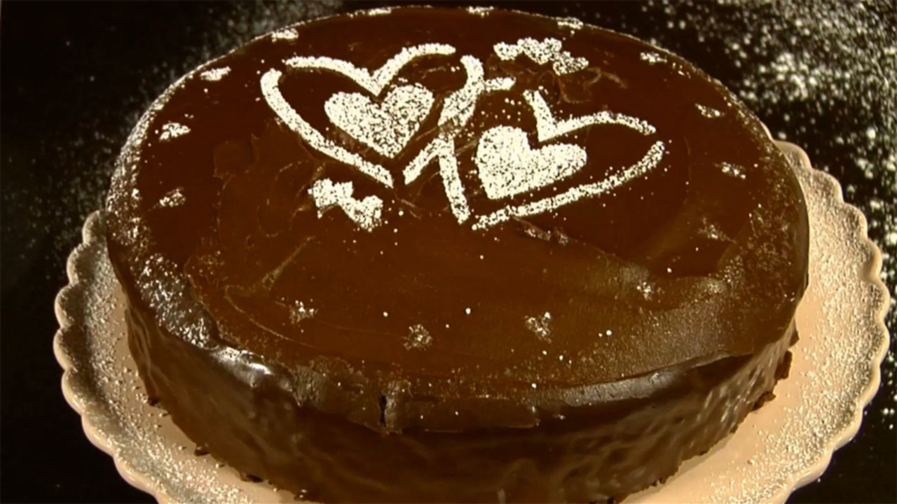 How to Use Ganache and Stencils