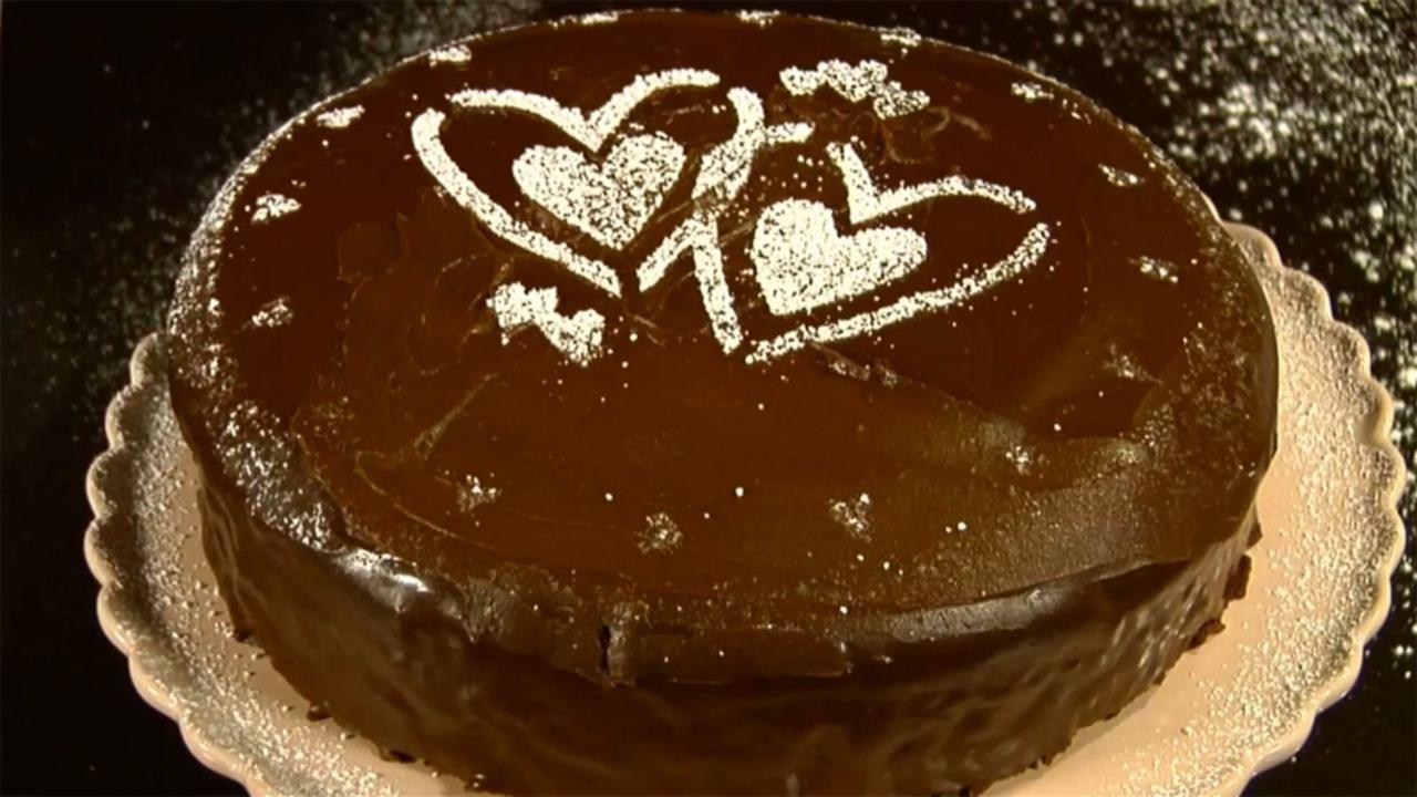 How to Decorate a Cake: Ganache Coating & Sugar Stencils