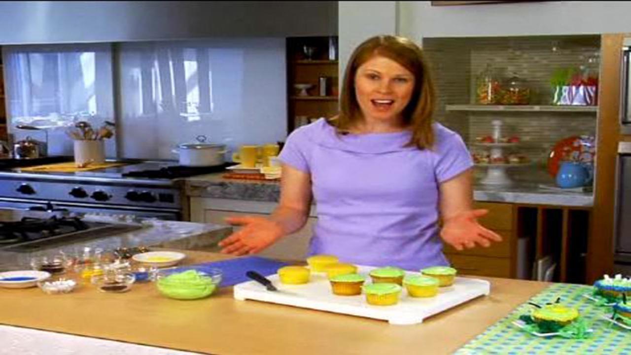 Inchworm Cupcakes