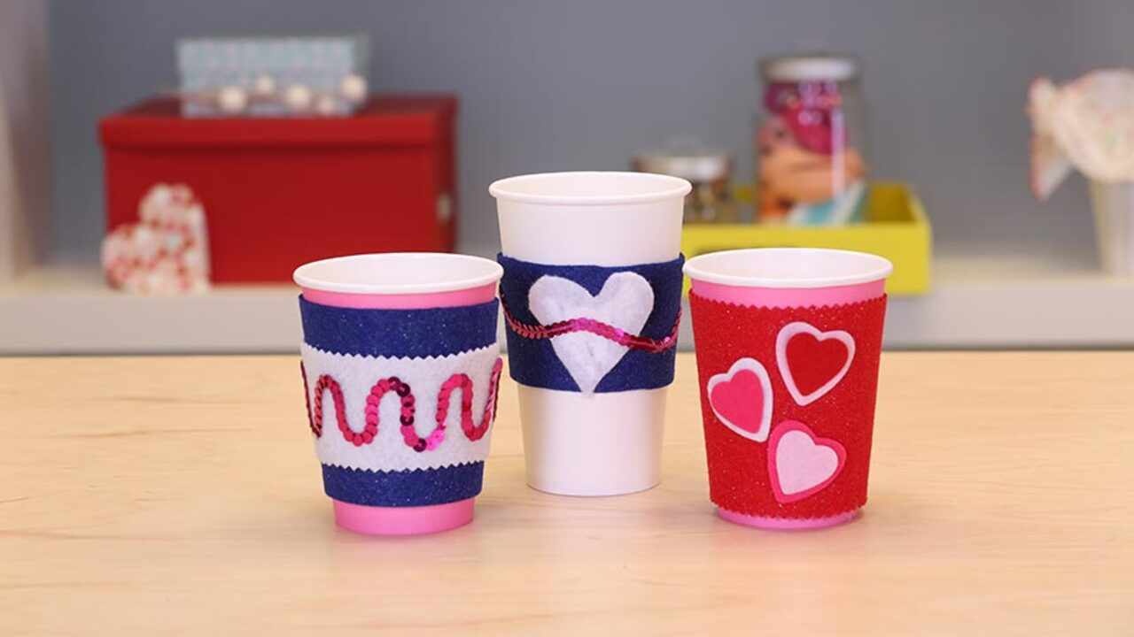 Quick and Easy Valentine's Day Craft: A Cup Cozy