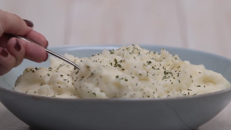 The Ultimate Creamy Mashed Potatoes