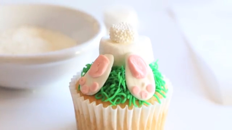 How to Make Bunny Butt Cupcakes