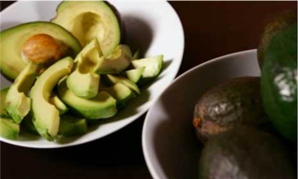 How to Select, Peel and Pit an Avocado