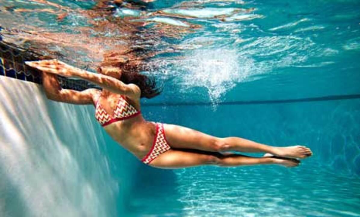 Pool-Edge Side Burpee