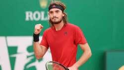 Hot Shot: Tsitsipas Conecta Un Passing De Revés Espectacular En La Final De Montecarlo