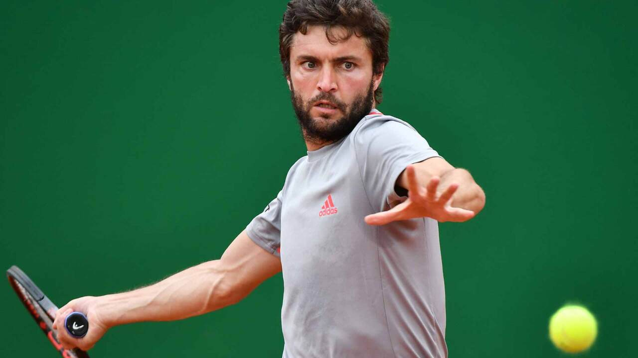 Hot Shot: Simon Turns Defence Into Offence In Hamburg