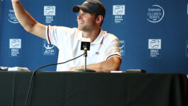 Watch Atlanta Flashback: Fish Heckles Roddick!